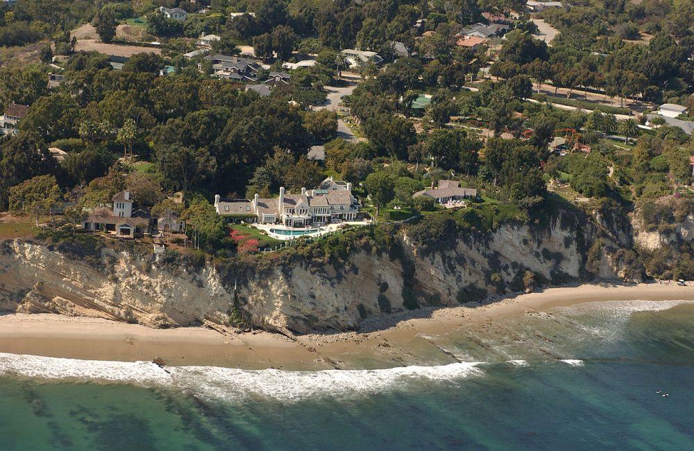Copyright (C) 2002 Kenneth & Gabrielle Adelman, California Coastal Records Project, www.californiacoastline.org.